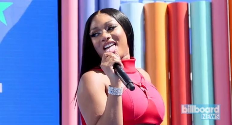 """Read more about the article HOT GIRL SUMMER HAS BEEN EXTEND… Meg Thee Stallion files to Trademark """"Hot Girl Summer"""""""